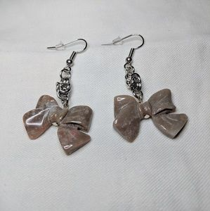 Handcrafted dangling bow earrings